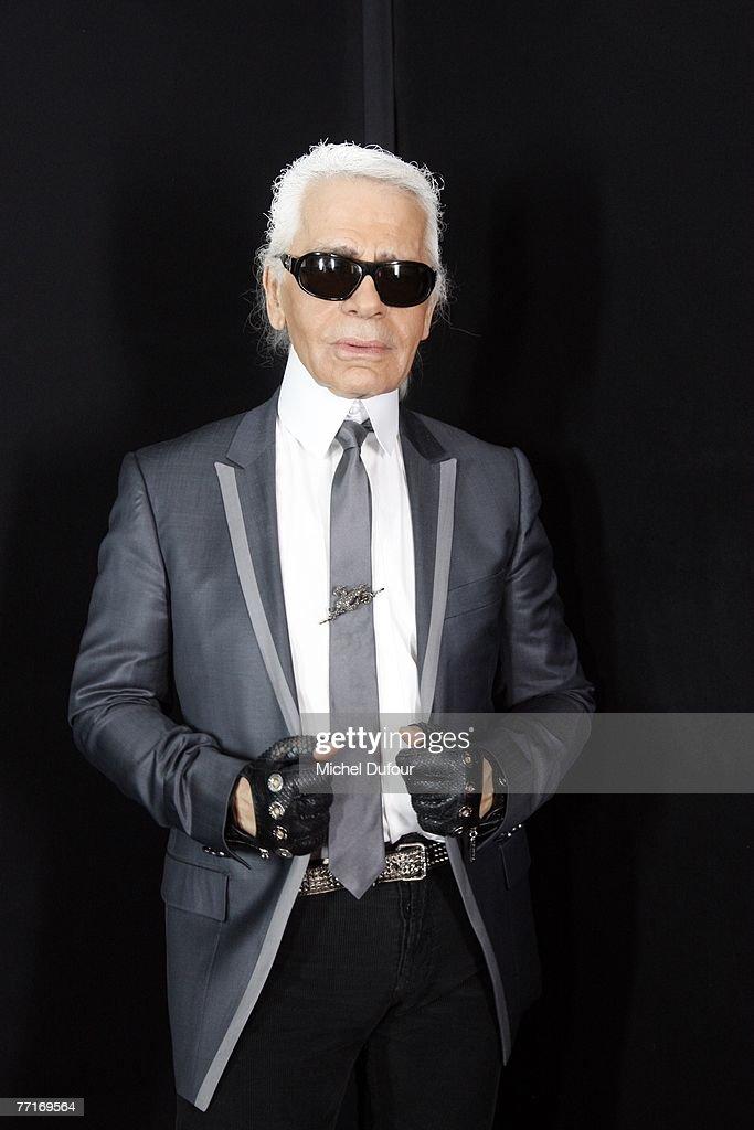 Karl Lagerfeld - Paris Fashion Week Sp/Sum 08- Arrivals &Front Row : Fotografía de noticias