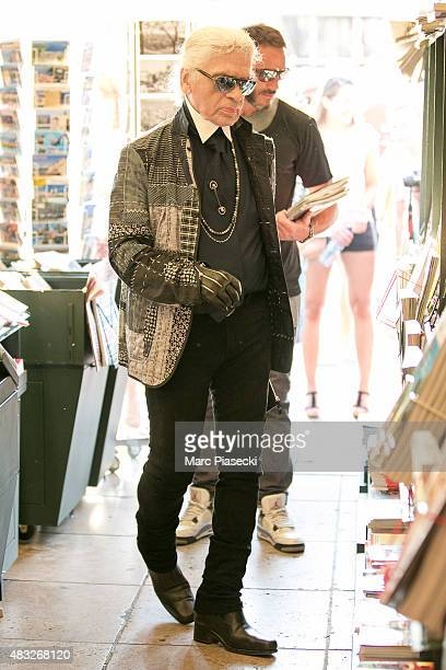 Karl Lagerfeld is seen at the newspaper store on the harbour of Saint tropez on August 6 2015 in SaintTropez France