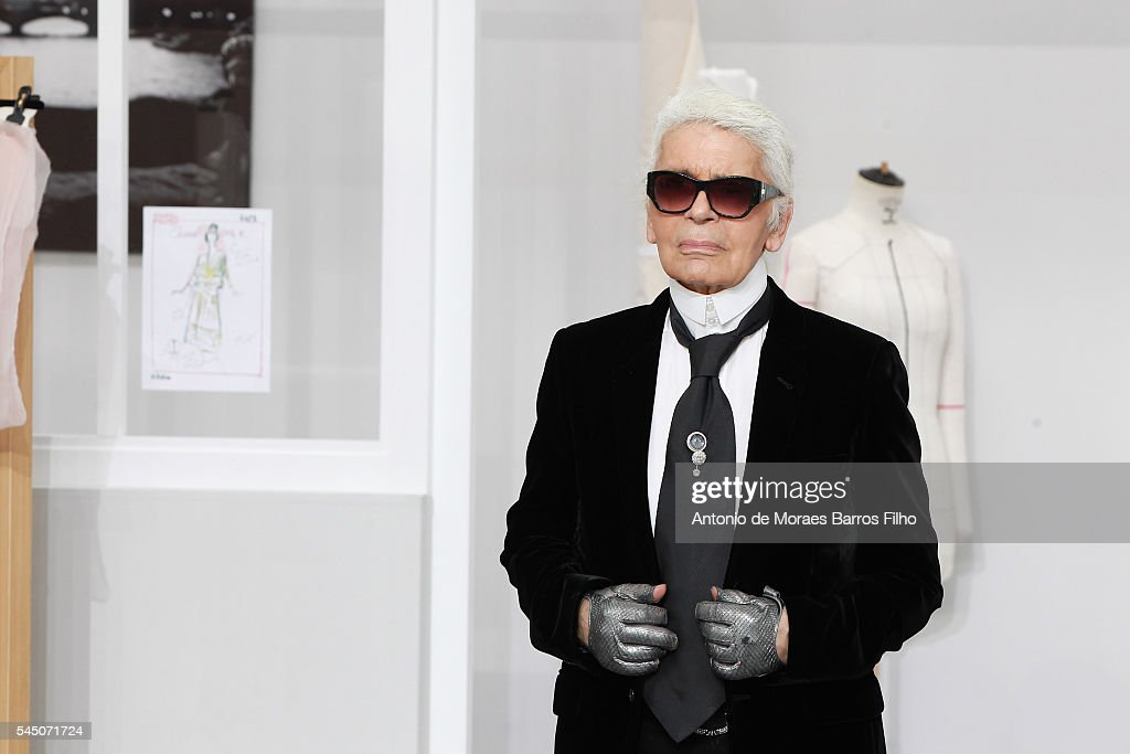 Chanel : Runway - Paris Fashion Week - Haute Couture Fall/Winter 2016-2017 : News Photo