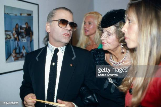 Karl Lagerfeld with Gunilla von Bismarck at the opening of his photography exhibition Parade at Museum fuer moderne Kunst in Frankfurt Germany 1994