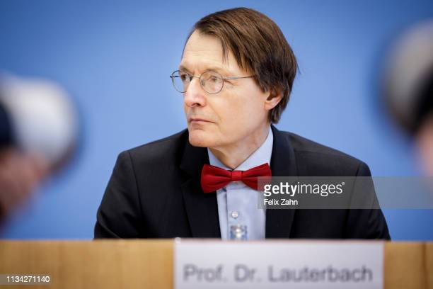 Karl Lauterbach, MdB SPD pictured during a press conference to present a Introduction to the proposed law for organ donation - double contradiction...