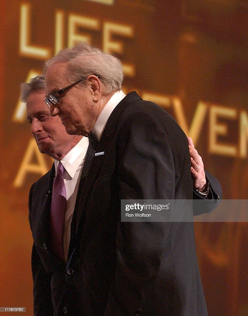 Karl Malden accepts his Lifetime Achievement Award from Michael Douglas