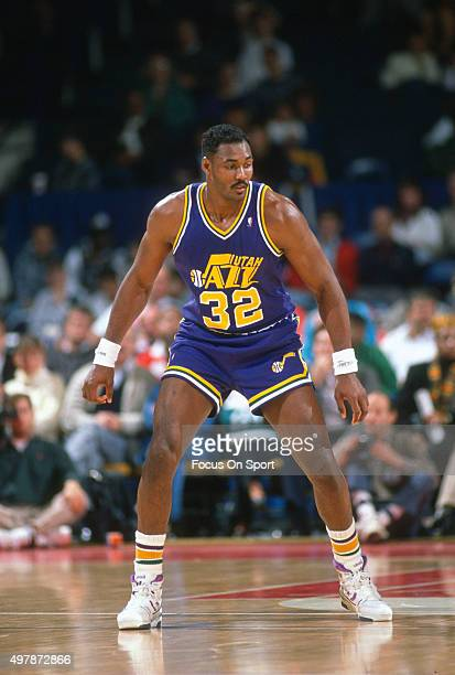 Karl Malone of the Utah Jazz in action against the Washington Bullets during an NBA basketball game circa 1989 at the Capital Centre in Landover...