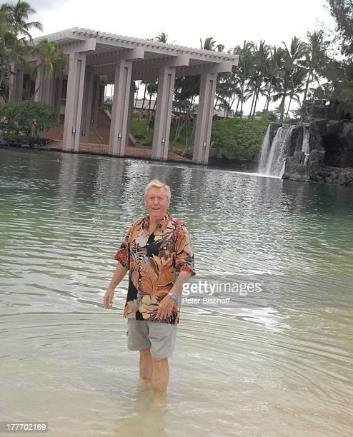 Karl Moik Ausflug HotelAnlage Hilton Waikoloa Village Kona Hawaii USA Amerika Wasser Wasserfall Moderator