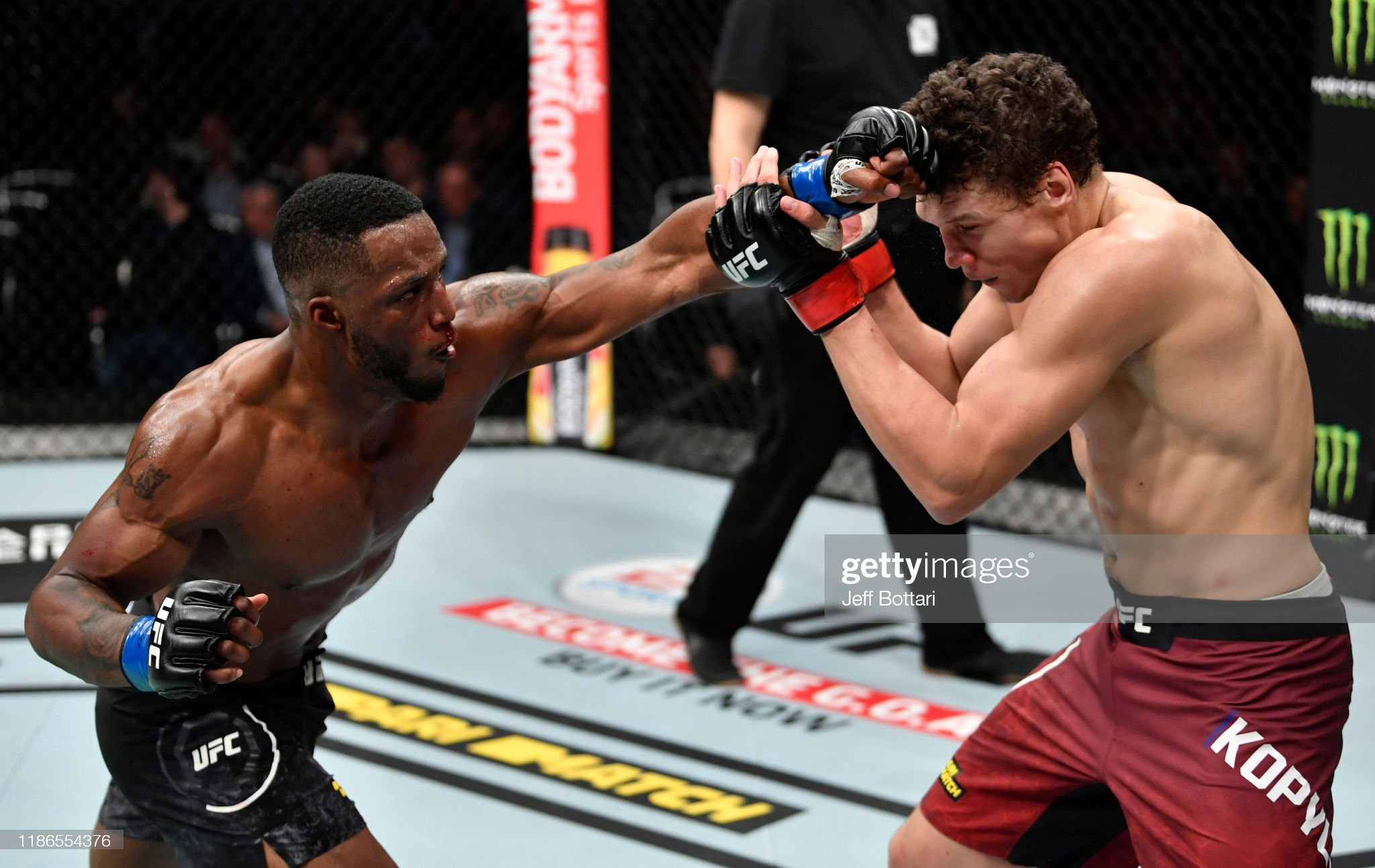 UFC Fight Night: Kopylov v Roberson : News Photo