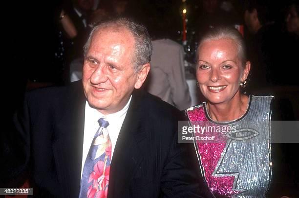 """Karl Spiehs, Ehefrau Angelika Ott-Spiehs, 3. """"Rouge & Noir Filmfest"""" am , Casino, Velden, Kärnten, Österreich."""