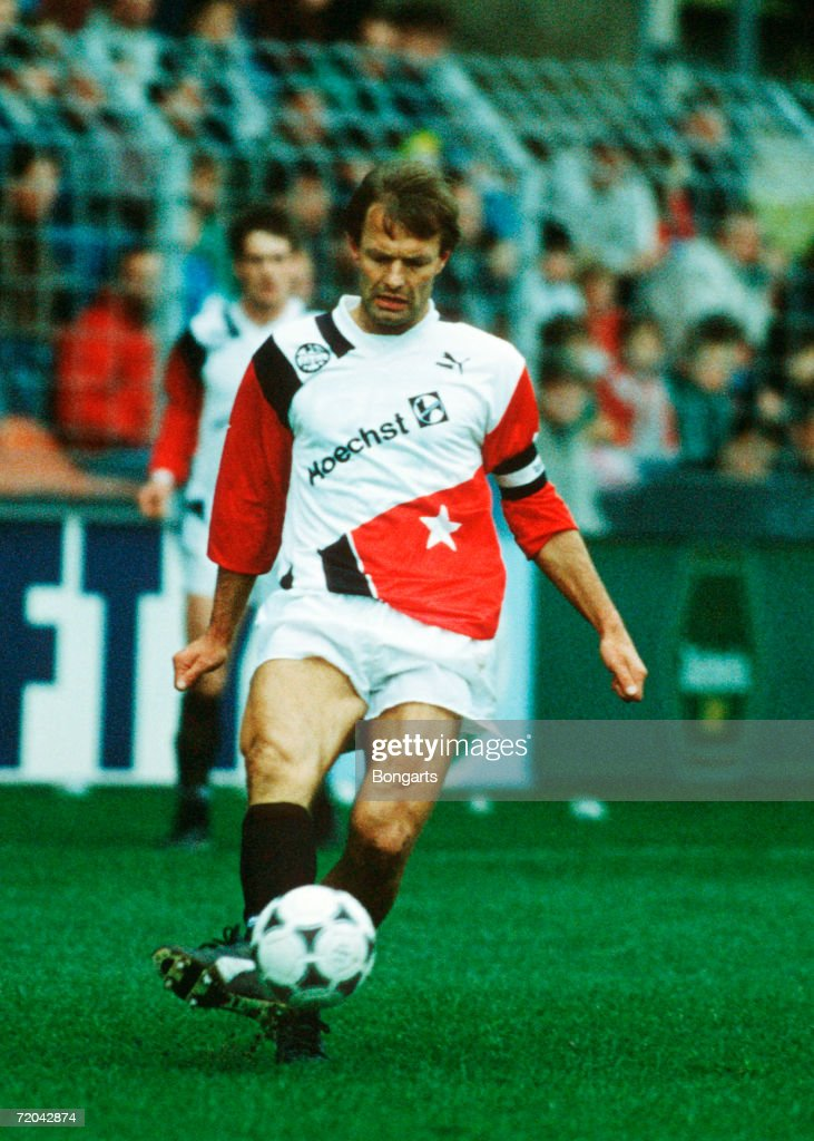 Karl-Heinz Koerbel of Frankfurt in action during the Bundesliga match between KFC Bayer Uerdingen and Eintracht Frankfurt at the Grotenburg Kampfbahn on March 3, 1990 in Leverkusen, Germany.