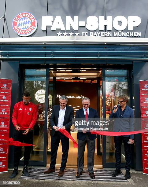KarlHeinz Rummenigge CEO of FC Bayern Muenchen cuts the ribbon with Joerg Wacker member of FC Bayern Muenchen Board and player Jerome Boateng for the...