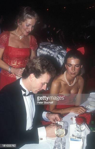 "Karl-Heinz Rummenigge, -Ehefrau Martina Wehling, ""Ball des Sports"", , Sportler, Fußballprofi, Smoking, Profi-Fußballer, Frau, Promis, Prominenter,..."