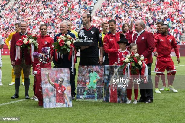 KarlHeinz Rummenigge of Bayern Muenchen Philipp Lahm of Bayern Muenchen CoHead coach Hermann Gerland of Bayern Muenchen Goalkeeper Tom Starke of...