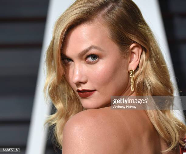 Karlie Kloss attends the 2017 Vanity Fair Oscar Party hosted by Graydon Carter at Wallis Annenberg Center for the Performing Arts on February 26 2017...