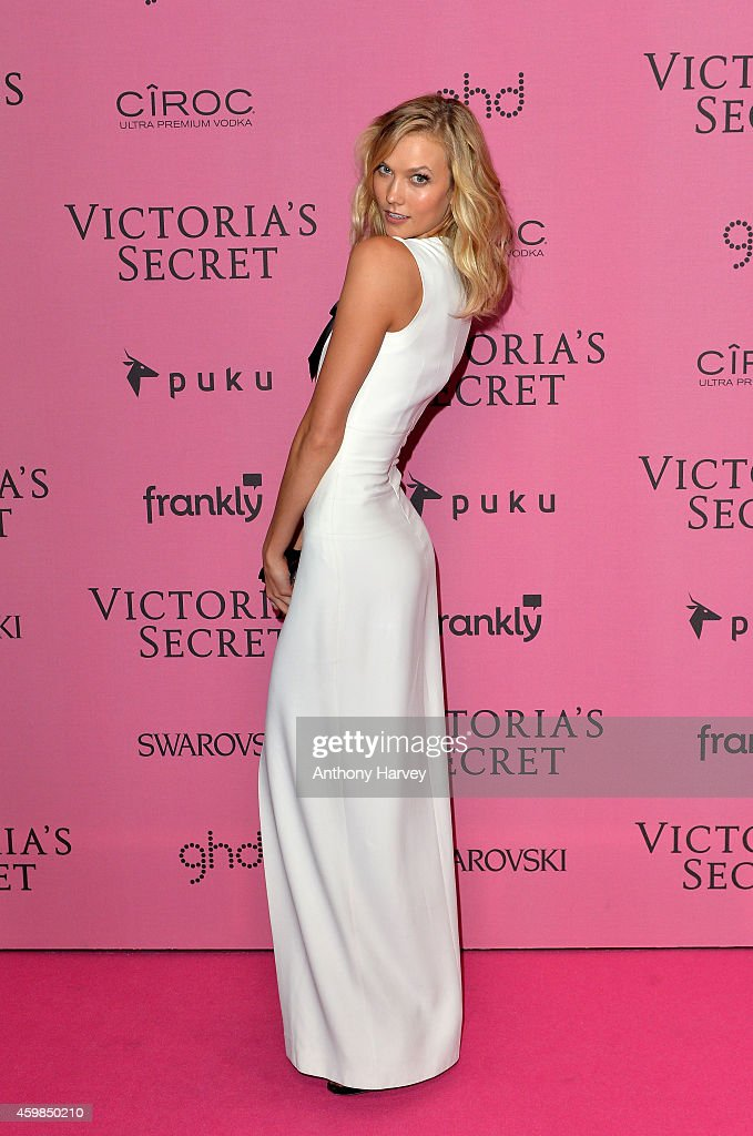 Karlie Kloss attends the pink carpet of the 2014 Victoria's Secret Fashion Show on December 2, 2014 in London, England.