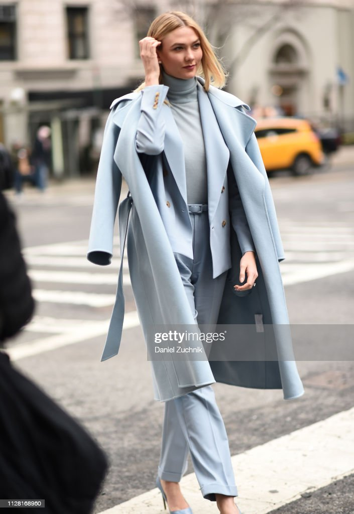 Street Style - New York Fashion Week February 2019 - Day 1 : News Photo
