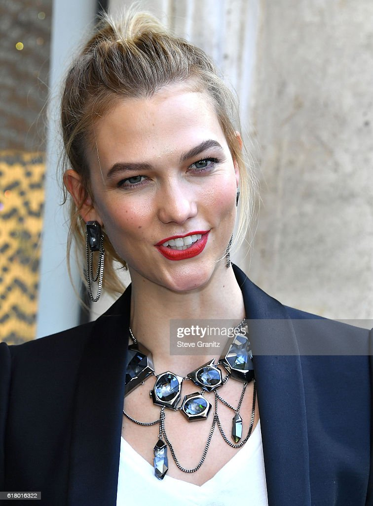 41e2cee24043 Karlie Kloss Makes In-Store Appearance at Swarovski on October 25 ...
