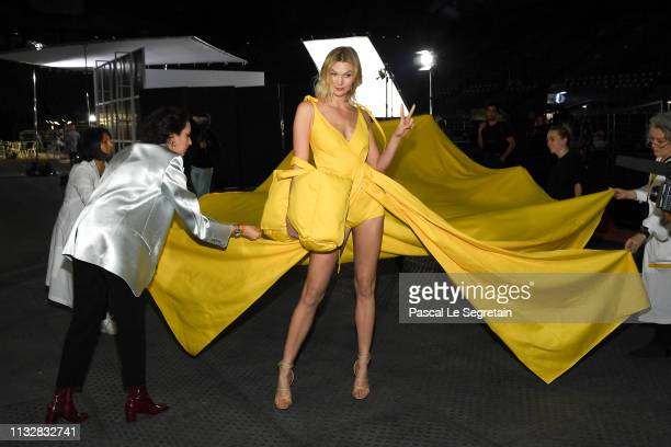 Karlie Kloss prepares backstage before the OffWhite show as part of the Paris Fashion Week Womenswear Fall/Winter 2019/2020 on February 28 2019 in...