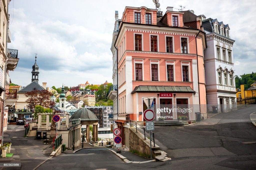 Karlovy vary cityscape em Primavera. República Tcheca : Foto de stock