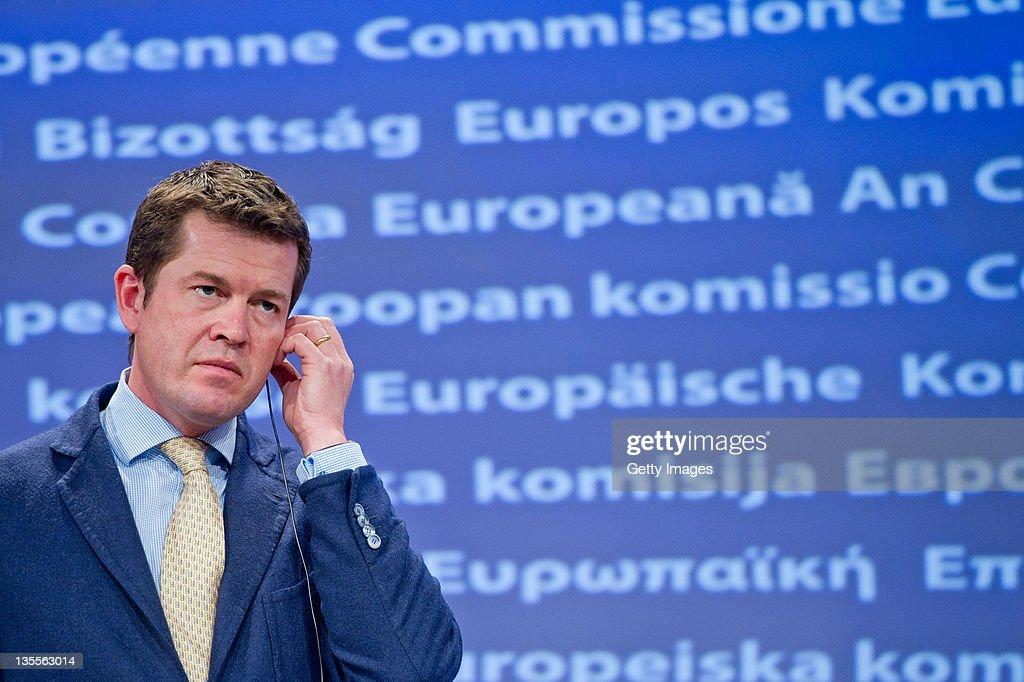 Karl-Theodor zu Guttenberg Speaks At European Commission : News Photo