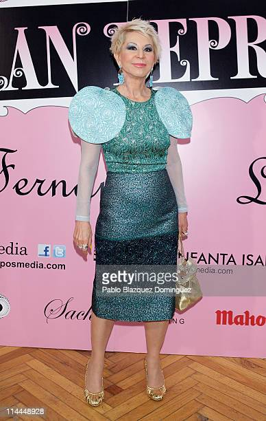 Karmele Marchante attends 'La Gran Depresion' premiere at Infanta Isabel Theatre on May 19 2011 in Madrid Spain
