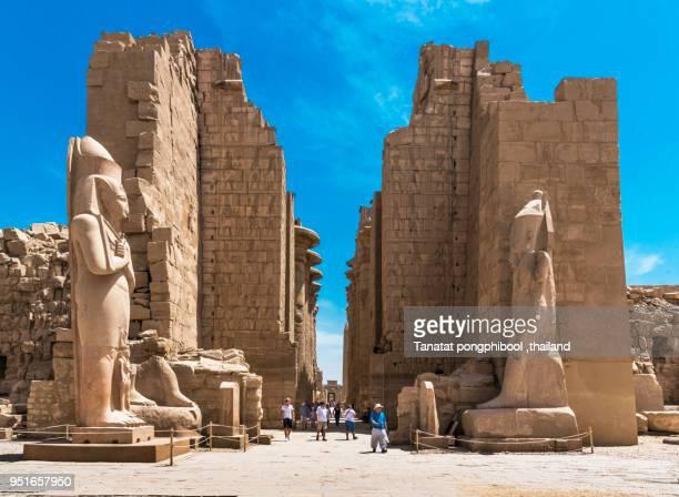 karnak temple in the morning,egypt - karnak fotografías e imágenes de stock