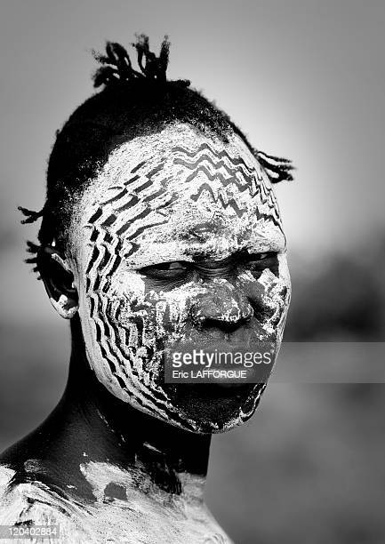 Karo face painting in Korcho village in Ethiopia on October 30 2008 The Karo with a population of about 1000 1500 live on the east banks of the Omo...