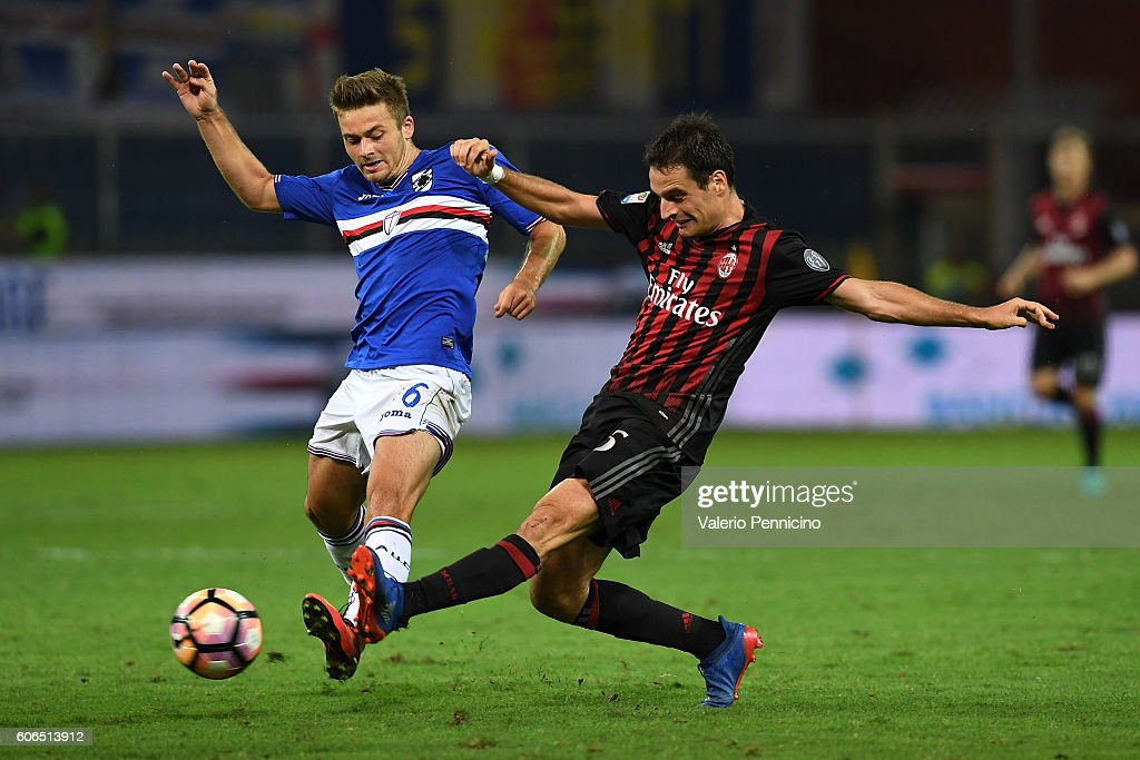 Karol Linetty (L) of UC Sampdoria competes with Giacomo Bonaventura of AC Milan during the Serie A match between UC Sampdoria and AC Milan at Stadio Luigi Ferraris on September 16, 2016 in Genoa, Italy.