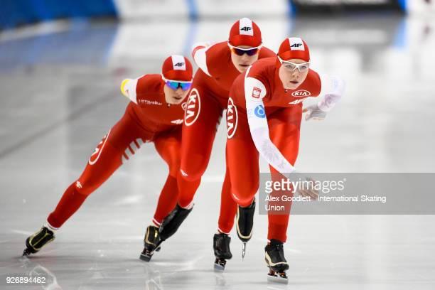 Karolina Bosiek Karolina Gasecka and Natalia Jabrzyk of Poland compete in the women's team pursuit during day 2 of the ISU Junior World Cup Speed...