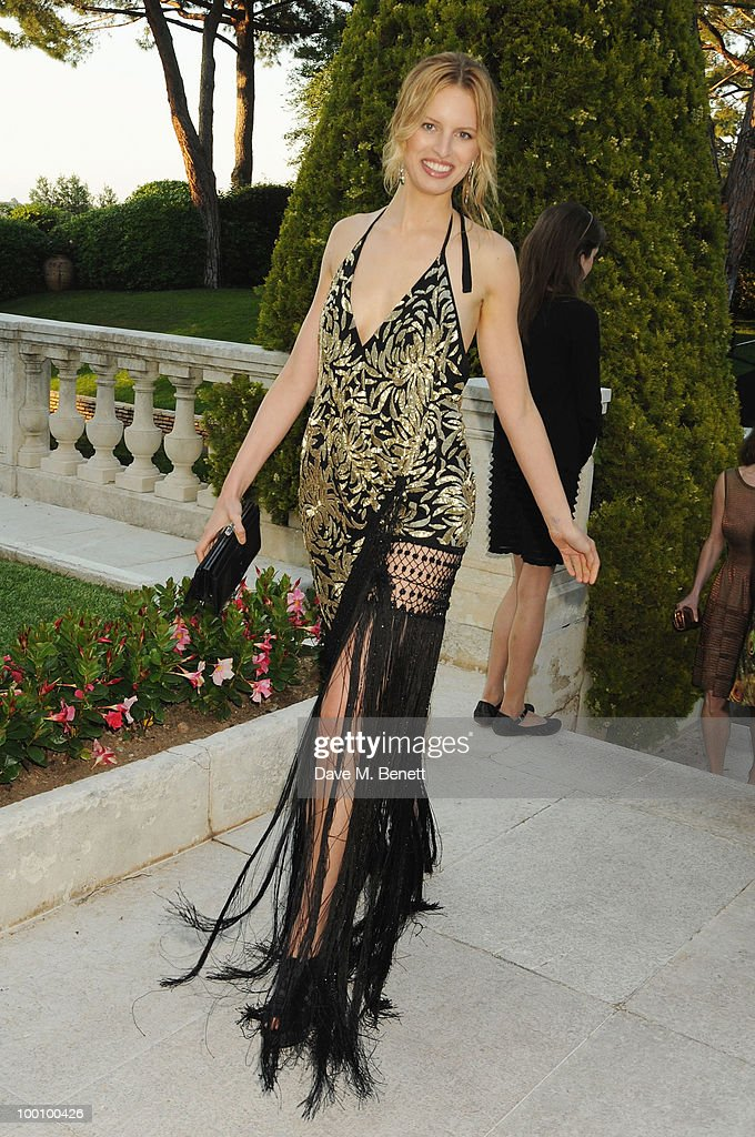 Karolina Kurkova arrives at amfAR's Cinema Against AIDS 2010 benefit gala at the Hotel du Cap on May 20, 2010 in Antibes, France.