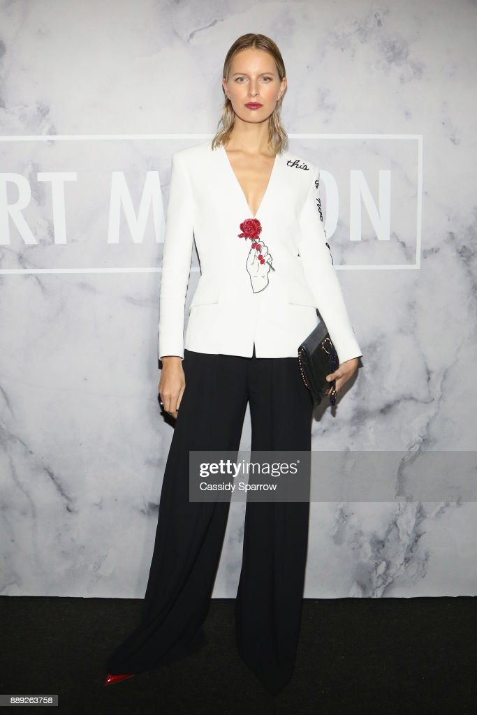 Karolina Kurkova attends ART MAISON celebrates Daniel Arsham Fellowship with National YoungArts Foundation presented by SHOP.COM, DNA Atelier & Bentley Motors International at the home of JR & Loren Ridinger on December 9, 2017 in Miami Beach, Florida.
