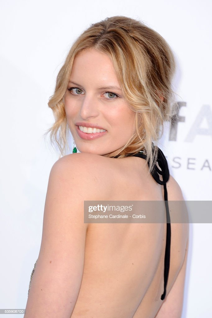 Karolina Kurkova attends the '2010 amfAR's Cinema Against AIDS' Gala - Arrivals