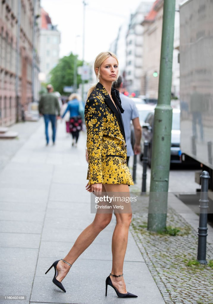 Street Style - Berlin Fashion Week - July 5, 2019 : News Photo