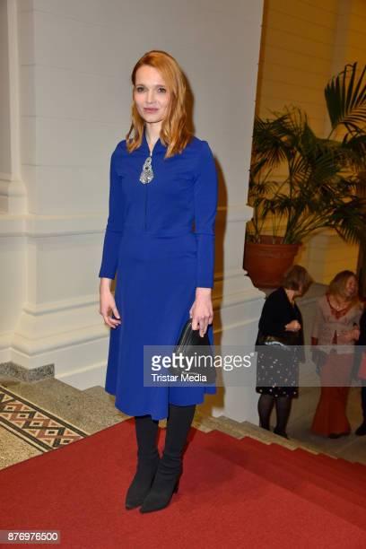 Karoline Herfurth attends the Goldene Erbse Award 2017 on November 20 2017 in Berlin Germany