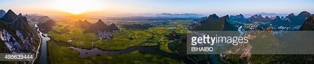 Karst Bereich ländlichen Sonnenuntergang, Yangshuo und Guilin in China