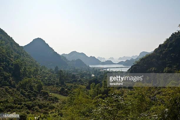 Karst Landschaft In der Halong-Bucht, Vietnam