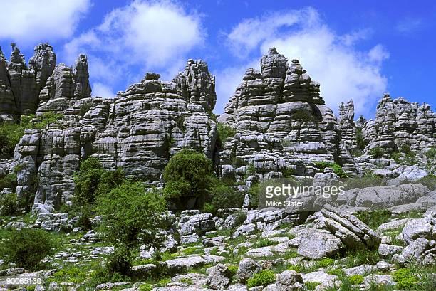 karst scenery el torcal np andalucia, spain - paraje natural torcal de antequera fotografías e imágenes de stock