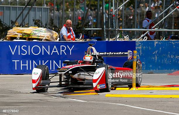 Karun Chandhok of India and Mahindra Racing Formula E Team during the qualifying session as part of 2015 FIA Formula E Buenos ePrix at Puerto Madero...
