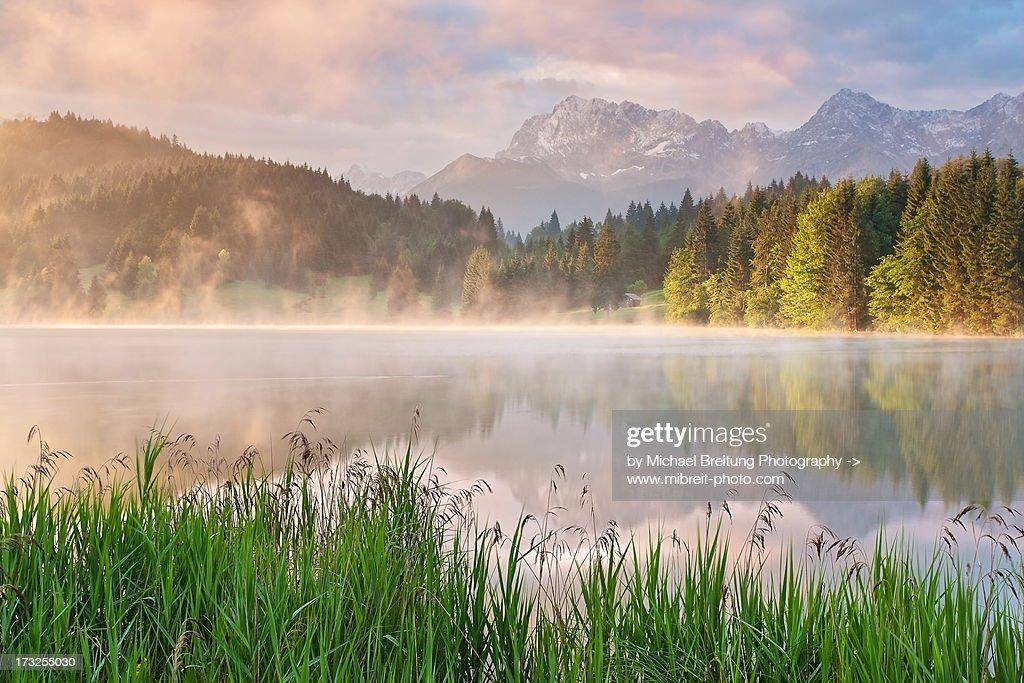Karwendel Reflections : Foto de stock
