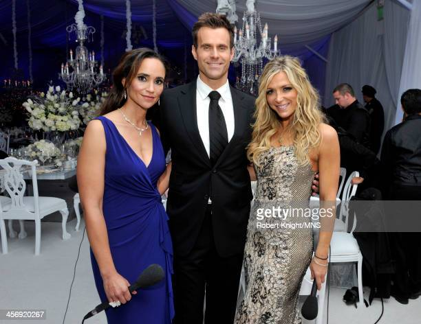 Karyn Bryant Cameron Mathison and Debbie Matenopoulos attend the wedding of Michaele Schon and Neal Schon at the Palace of Fine Arts on December 15...