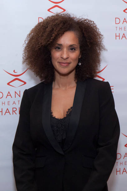 karyn parsons showing pussy