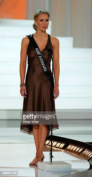 Karyn Stordahl Miss Minnesota introduces herself during the Miss America Pageant at the Aladdin Theatre for the Performing Arts January 21 2006 in...