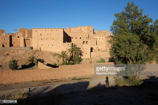 kasbah of taourirt in ouarzazate - kasbah of taourirt stock pictures, royalty-free photos & images