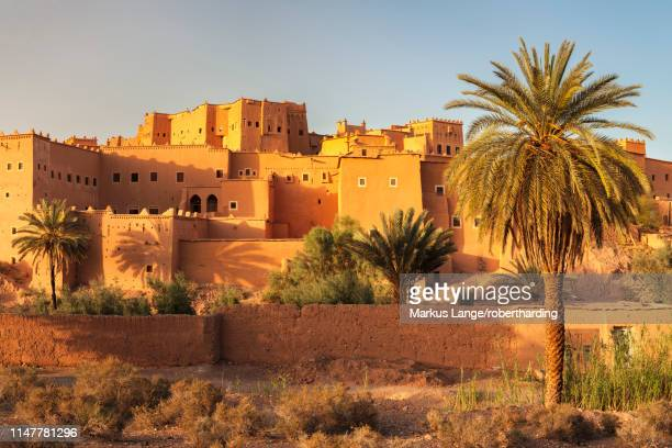 kasbah taourirt, ouarzazate, road of kasbahs, atlas mountains, southern morocco, morocco, north africa, africa - kasbah of taourirt stock pictures, royalty-free photos & images