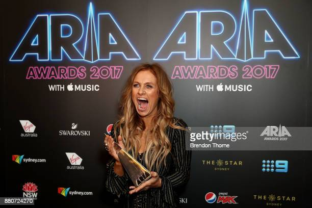 Kasey Chambers poses in awards room with an ARIA for Best Country Album during the 31st Annual ARIA Awards 2017 at The Star on November 28 2017 in...