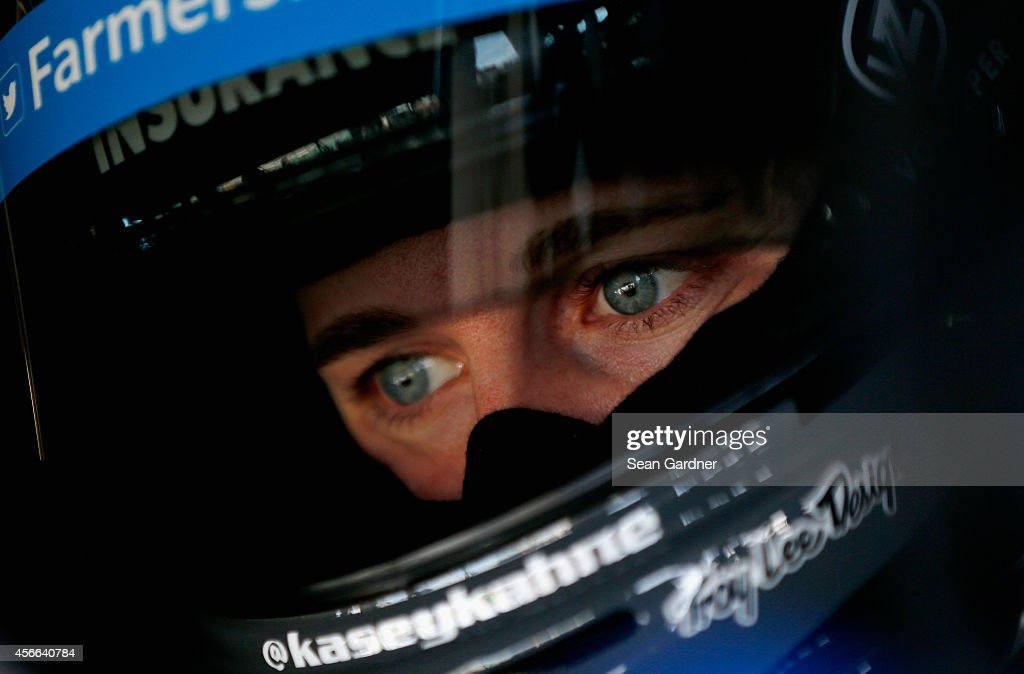 Hollywood Casino 400 - Practice : News Photo