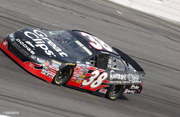 NASCAR Kasey Kahne during practice for the Busch Series SpongeBob SquarePants Movie 300 race at Lowe's Motor Speedway in Concord NC on Oct 14 2004