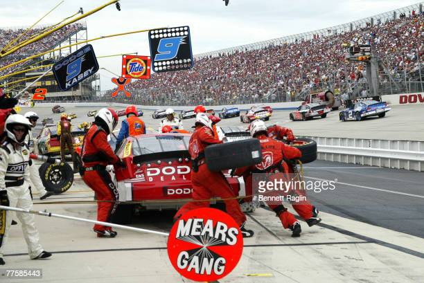 Kasey Kahne pits during the NASCAR NEXTEL Cup Dover 400 on Sunday September 24 2006 at Dover International Speedway in Dover Delaware