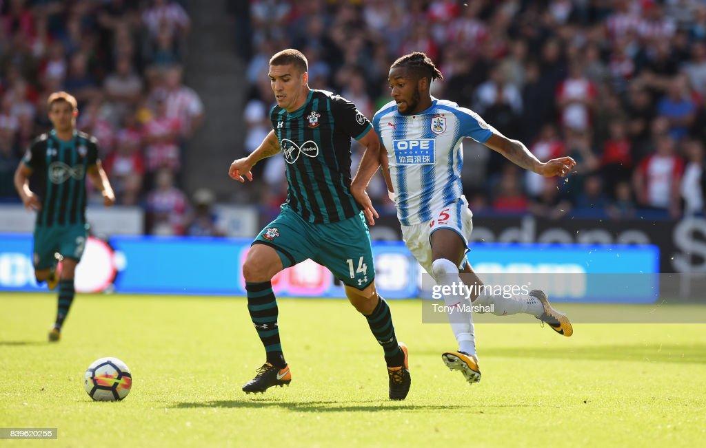 Huddersfield Town v Southampton - Premier League : News Photo
