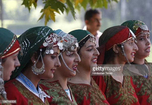 poran-image-of-kashmiri-woman