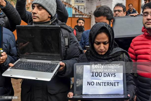 Kashmiri journalists protest against internet blockade put by India's government in Srinagar on October 12 2019
