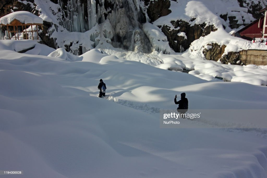 Avalanches And Heavy Snowfall Kill 12 People Across Kashmir : News Photo