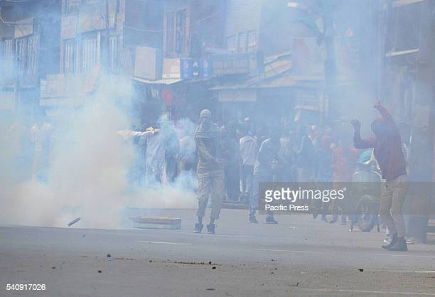 Kashmiri muslim protesters clash with Indian police during profreedom demonstrations in old Srinagar the summer capital of Indian controlled Kashmir...